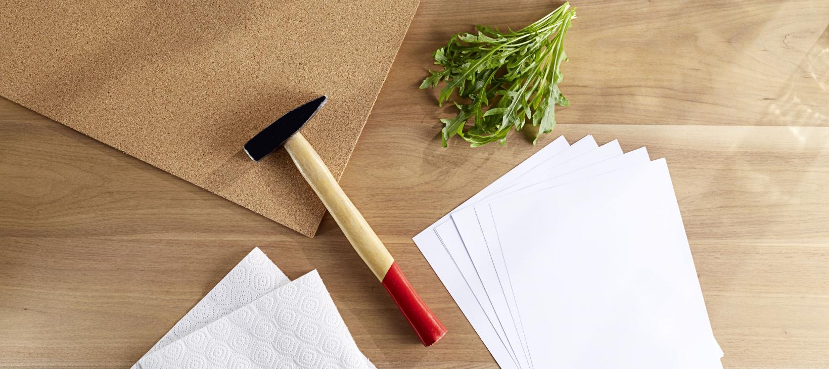 Material Blätterstempel-Tipp: Hammer und Blätter