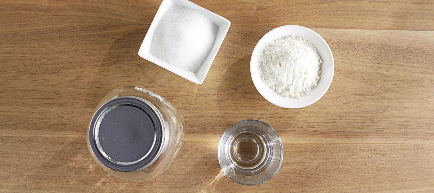 Mehlkleber Tipp Material: Mehl, Zucker, Wasser